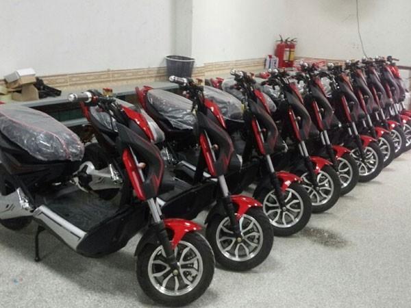 Tạm giữ 16 xe máy điện không đủ điều kiện lưu thông ảnh 1