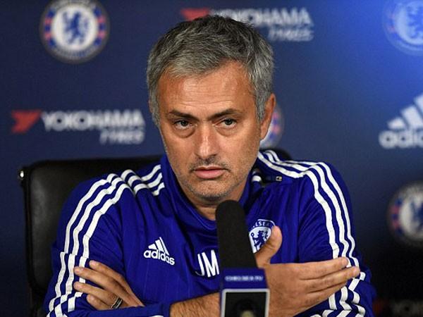 Chelsea sẽ phải trả cái giá rất đắt nếu sa thải Mourinho ảnh 1