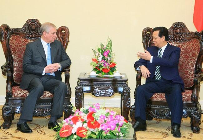 Hoàng tử Anh Andrew có ý tưởng hỗ trợ Việt Nam phát triển doanh nghiệp vừa và nhỏ ảnh 1