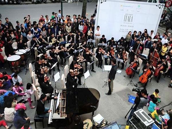 Hòa nhạc đường phố trở lại với công chúng Thủ đô ảnh 1