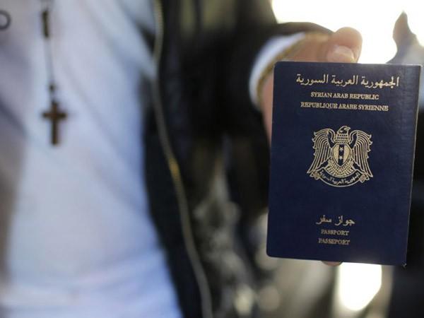 """""""Chợ đen"""" hộ chiếu Syria giả ảnh 1"""