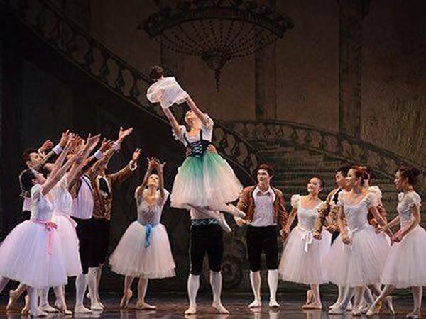 Vở ballet chào đón Giáng sinh ảnh 1