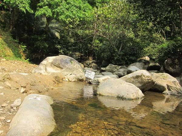 Uống nước suối thiêng Giải Oan, khỏi bệnh đau đầu? ảnh 2