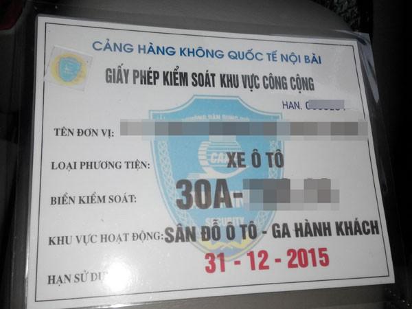 Taxi dù tràn vào sân bay Nội Bài ảnh 2