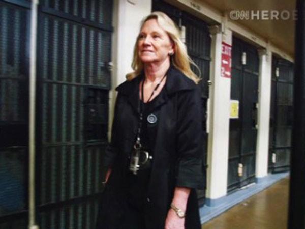 Người phụ nữ giúp tù nhân Mỹ hoàn lương ảnh 1