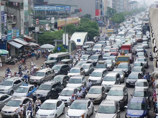 Áp lực giao thông tăng chóng mặt ảnh 1