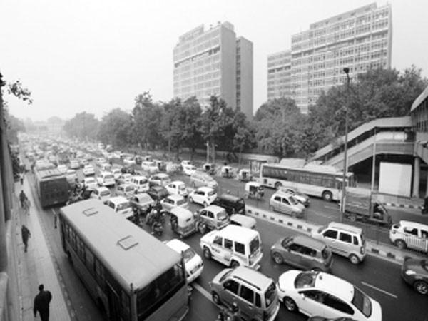Tác động sau khi Ấn Độ thí điểm biển số xe chẵn - lẻ luân phiên lưu thông ảnh 1