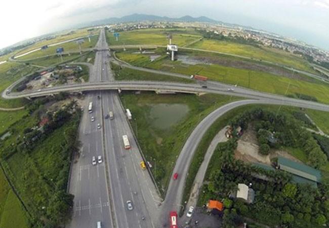 Tăng cường bảo đảm an toàn giao thông cao tốc Nội Bài-Lào Cai ảnh 1