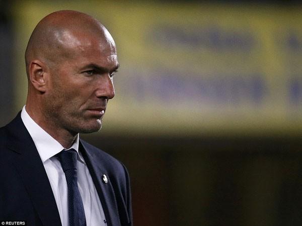 """Zidane """"tất tay"""" cho Siêu kinh điển ảnh 1"""