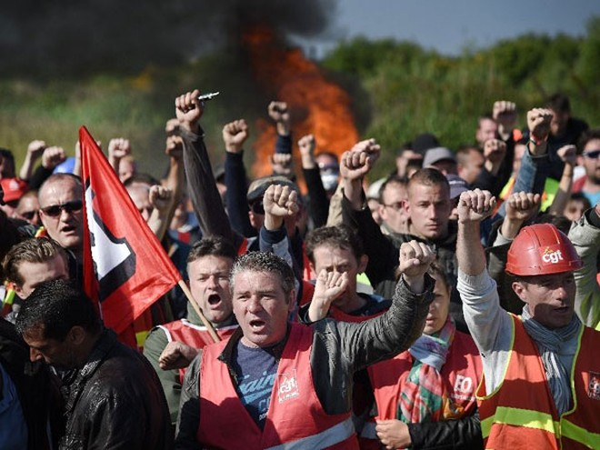 Công nhân trong ngành năng lượng của Pháp biểu tình phản đối dự luật cải cách lao động mới