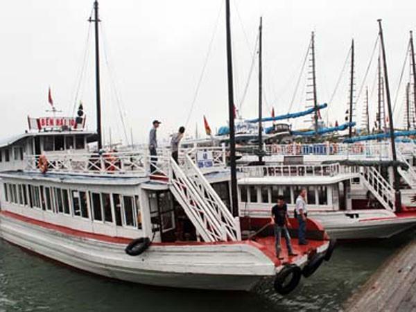 Cần có những tiêu chuẩn kỹ thuật cụ thể với tàu được phép hoạt động trên vịnh Hạ Long