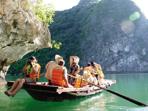 Nếu không đa dạng hóa những sản phẩm dịch vụ, du lịch Việt Nam sẽ khó cạnh tranh với các nước bạn