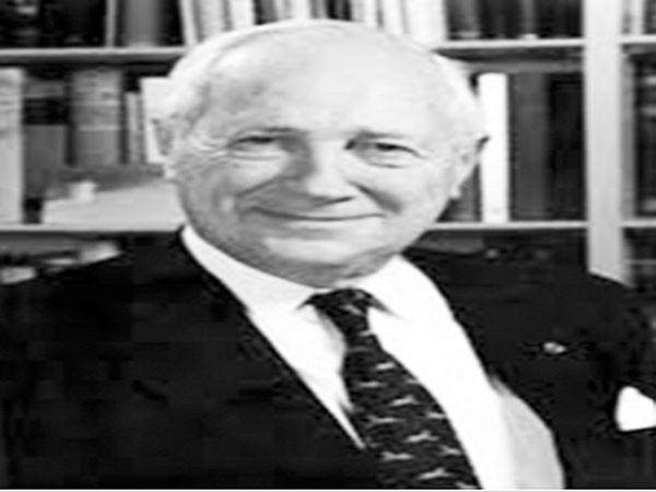 Tiến sỹ Jean Mayer, cựu Hiệu trưởng trường ĐH Tufts