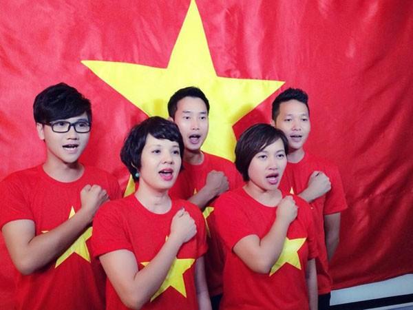 Ca sĩ Minh Quân từng cùng giới nghệ sĩ và bạn bè thu âm nhiều ca khúc ý nghĩa