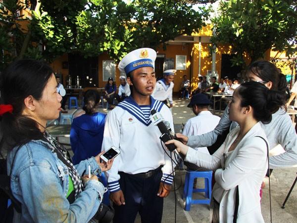 Phỏng vấn một chiến sĩ trẻ trên đảo An Bang