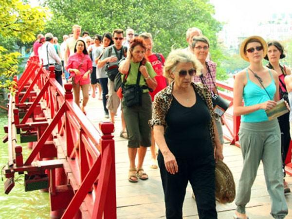 Khách du lịch quốc tế đến Hà Nội tăng đột biến