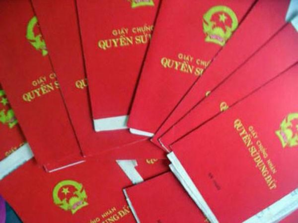 """""""Sổ đỏ"""" giả được các đối tượng sử dụng để lừa đảo"""