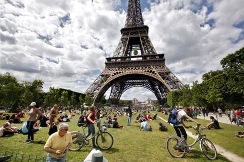 Thủ đô Paris là điểm đến hàng đầu với du khách thế giới