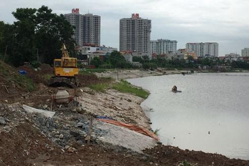 Hồ Định Công hiện vẫn ngổn ngang, dang dở