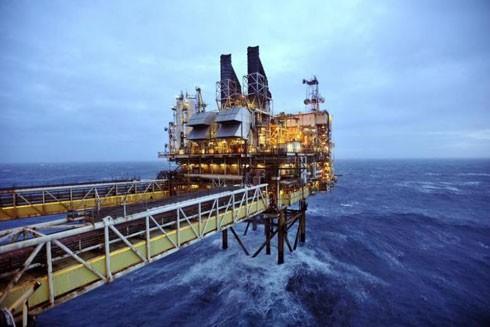 Giá dầu tăng một phần do dự đoán các nước xuất khẩu dầu mỏ chính sẽ quyết định đóng băng sản lượng