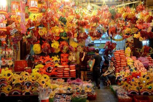 Các gian hàng trưng bày sản phẩm Trung thu truyền thống sẽ diễn ra tại phố Hàng Mã-Hàng Lược-Hàng Rươi