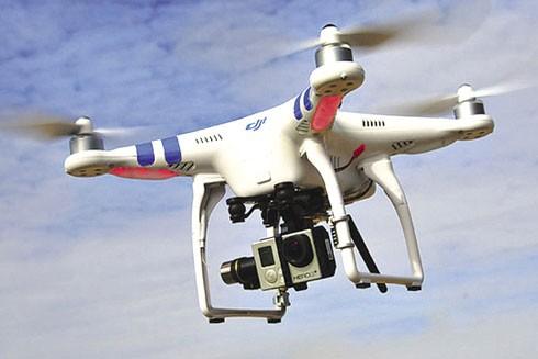 Người chơi flycam đang… phạm luật