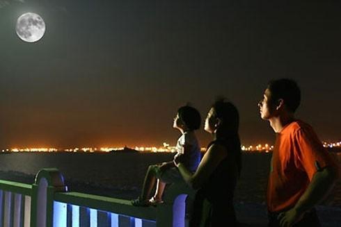 Hà Nội vẫn có những không gian riêng cho ánh trăng Rằm