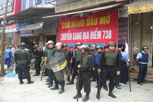 Một vụ đòi nợ của ngân hàng T gây xôn xao dư luận tại quận Hà Đông