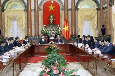 Chủ tịch nước Trần Đại Quang tiếp đoàn đại biểu Liên đoàn Kinh tế vùng Kansai, Nhật Bản