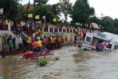 Hiện trường vụ chìm tàu du lịch ngày 18-9-2016 trên sông Chao Phraya