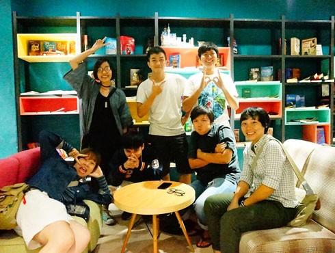 Các thành viên của nhóm Kín Illustration