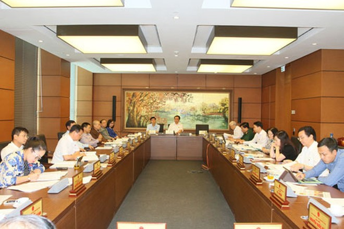 Đoàn ĐBQH Hà Nội thảo luận tại tổ