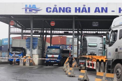 """Doanh nghiệp """"sốc"""" vì phí hạ tầng cảng biển của Hải Phòng"""