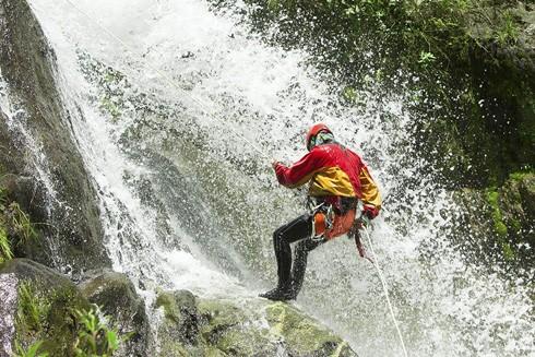 Nhiều du khách phớt lờ các điều kiện đảm bảo an toàn khi tham gia loại hình du lịch mạo hiểm