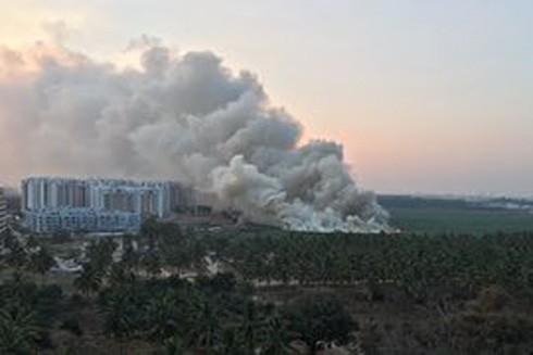 Hồ Bellandur lớn nhất thành phố Bangalore bỗng dưng bốc cháy hôm 16-2