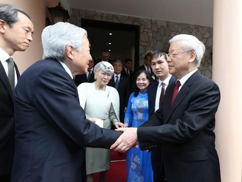 Tổng Bí thư Nguyễn Phú Trọng và Phu nhân hội kiến và chủ trì Tiệc trà chào mừng Nhà vua Nhật Bản Akihito và Hoàng hậu Michiko