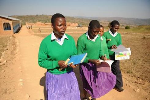 Nhiều bé gái ở Tanzania buộc phải thôi học vì nạn lạm dụng tình dục