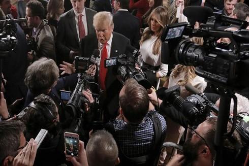 Bị Tổng thống chỉ trích, truyền thông Mỹ hưởng lợi