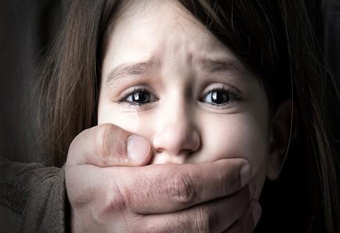 Xâm hại tình dục trẻ em - tội ác không thể dung tha
