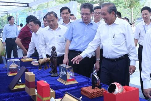 Phó Thủ tướng Trương Hòa Bình thăm Khu công nghệ cao Trung Quan Thôn