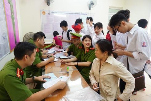 CAQ Hoàng Mai phục vụ nhân dân ngay tại cơ sở