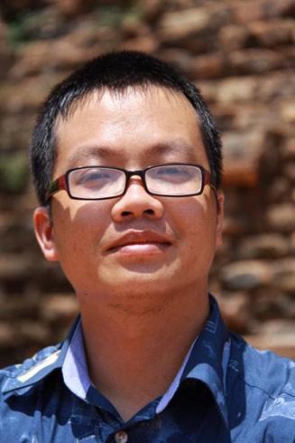 Nhà văn Uông Triều