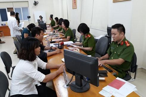 Bộ phận tiếp công dân của Phòng CS QLHC về TTXH nỗ lực thực hiện cải cách hành chính