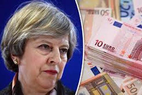 """Bà Theresa May đồng ý chi 40 tỷ bảng Anh để """"ly hôn"""" với EU"""