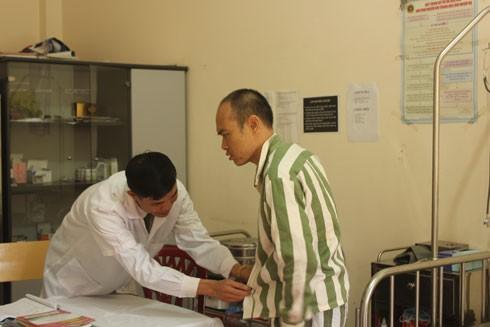 Đối với các cán bộ ở Trại giam Hoàng Tiến, hiện giờ Nguyễn Văn Ban là một bệnh nhân đặc biệt