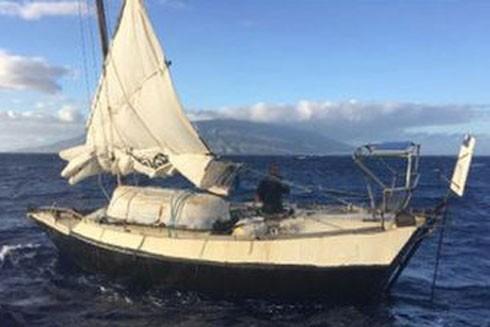 Người đàn ông Australia và chiếc thuyền tự chế