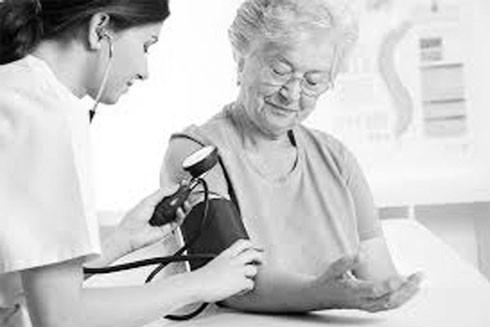 Người cao huyết áp đặc biệt lưu ý chăm sóc sức khỏe trong những ngày lạnh