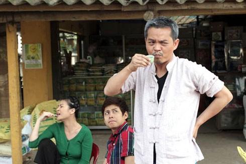 """NSND Trung Hiếu trong một cảnh phim """"Ma làng"""""""