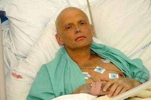 Alexander Litvinenko, cựu điệp viên Nga trước khi chết, do uống phải trà có nhiễm phóng xạ