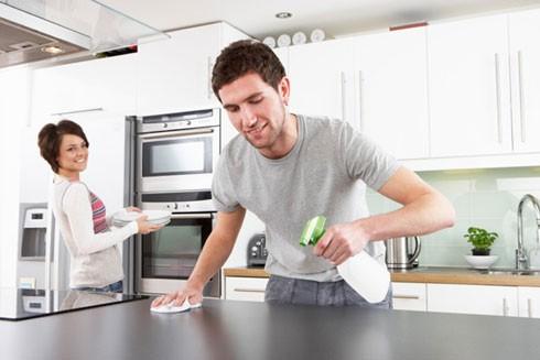 Làm việc nhà thường xuyên là cách đơn giản đào thải chất độc ra khỏi cơ thể